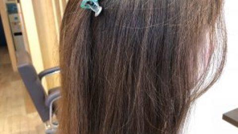 梅雨時期の髪のお悩み解消メニュー!コスメストレート!